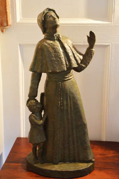 Statue of Elizabeth Ann Seton with Child