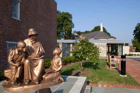 Statue of Mother Seton with Children (Bob Creamer Photo)