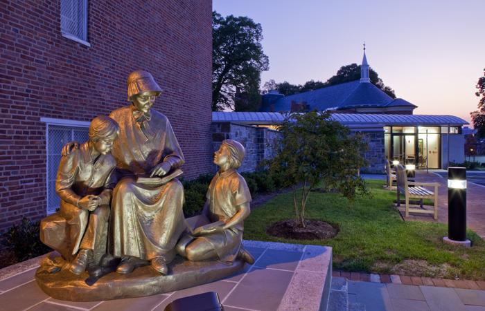 Mother Seton Statue