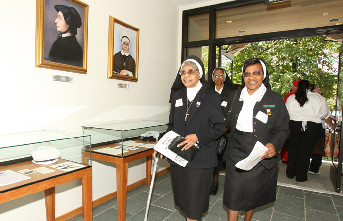 Oblate Sisters enter Center